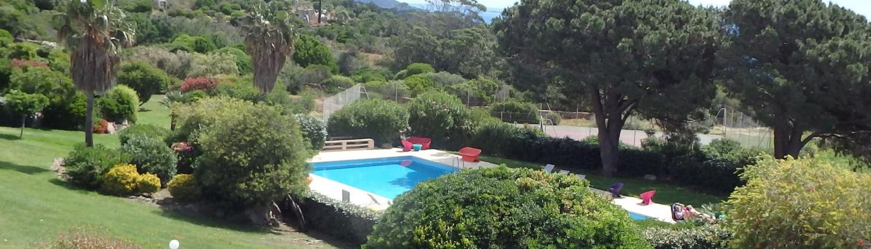 Résidence avec piscine et tennis à Porto-Vecchio